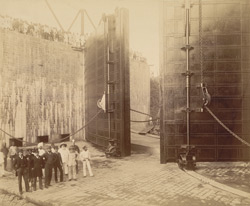 80-feet entrance. View of back of gates and north culvert openings - Group of engineers and contractors, &c. [Victoria Dock construction, Bombay].